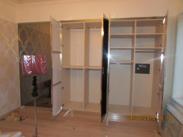 Шкаф с графитовым зеркалом