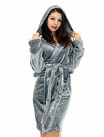 Махровый халат на запах с капюшоном темно-серый