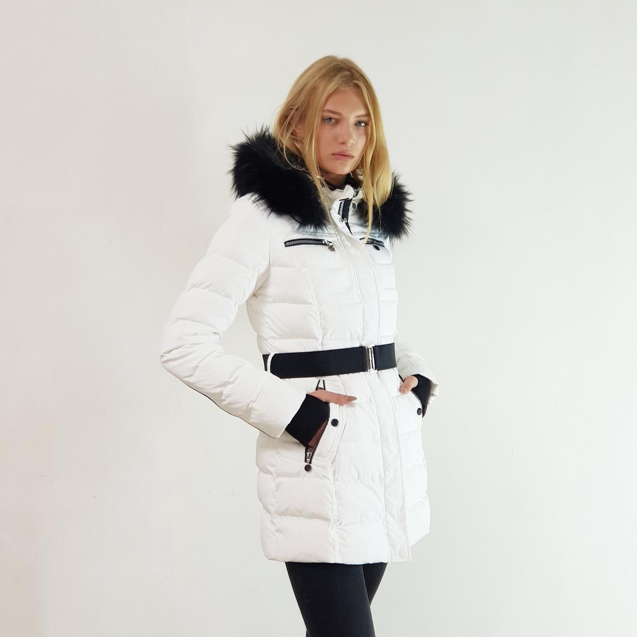 Куртка пуховик зимний женский Snowimage с капюшоном и натуральным мехом 48 белый 317-01