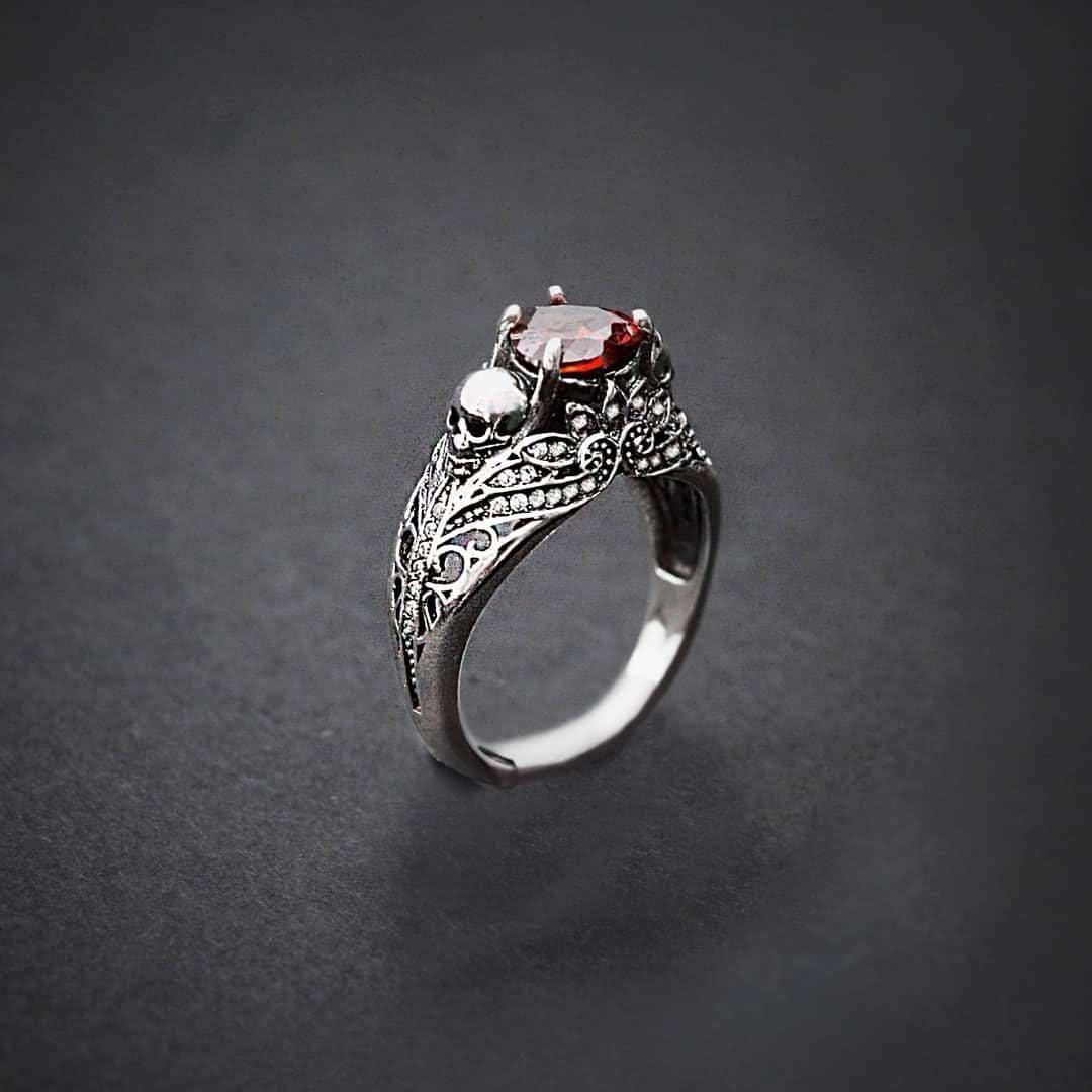 Авторское женское кольцо из серебра Череп КЦ-08 Б