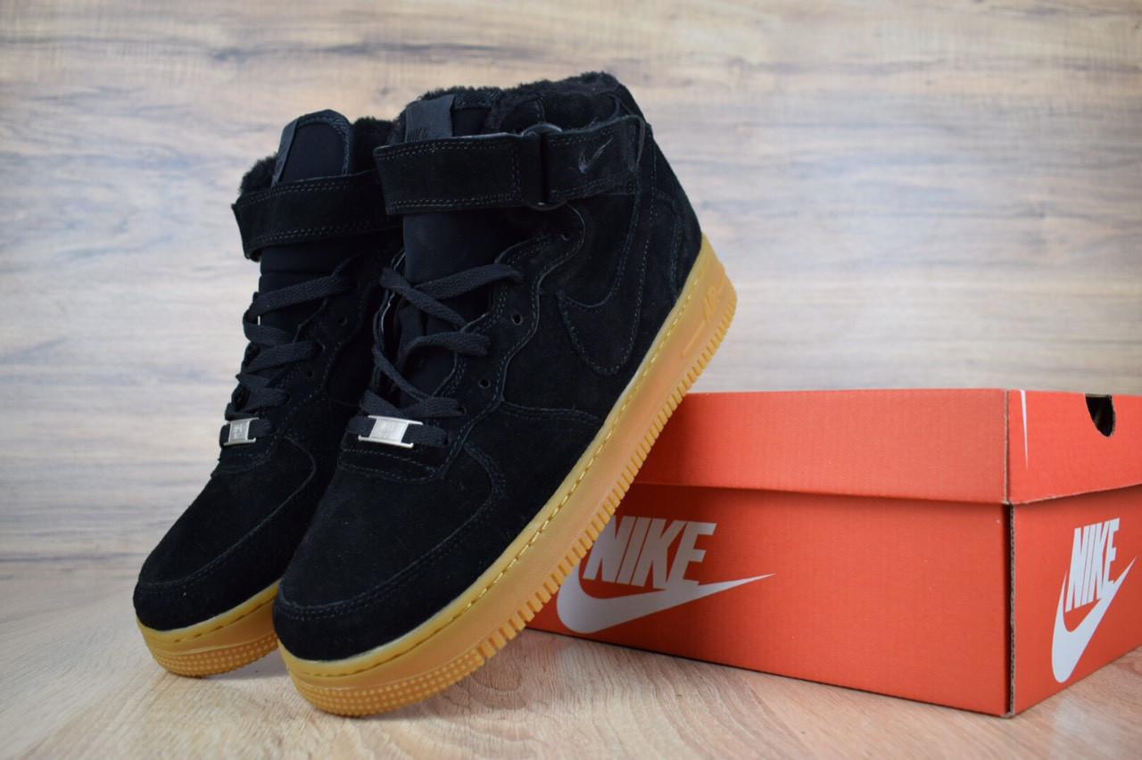 Женские зимние кроссовки Nike Air Force (черно-коричневые)