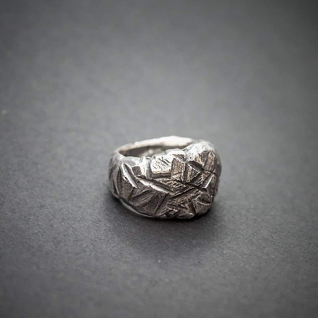 Авторское мужское кольцо из серебра Dark Side КЦ-58 Б