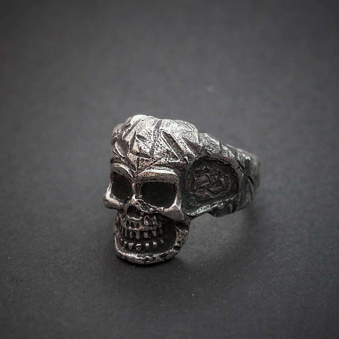 Авторское мужское кольцо из серебра Череп  КЦ-59 Б