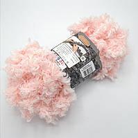 Фантазийная меховая пряжа Puffy Fur, цвет светло персиковый