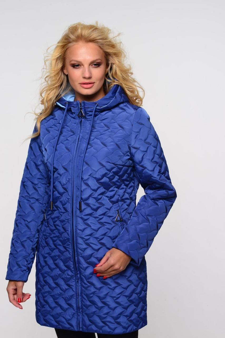 Женское стеганное пальто средней дины