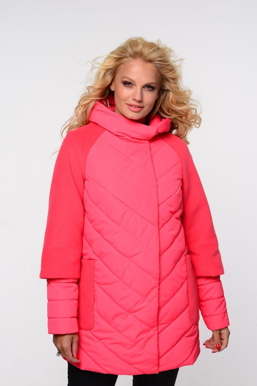Яркая длинная женская куртка