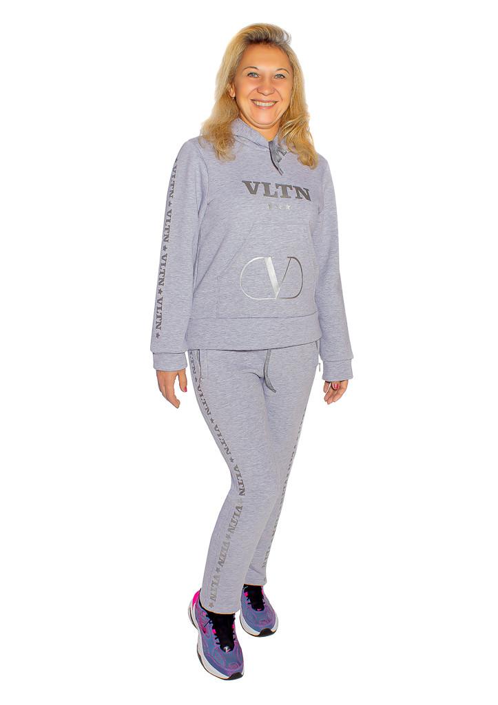 Женский теплый спортивный костюм с капюшоном VLTN