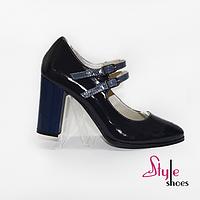 Туфли женские на каблучке с ремешком