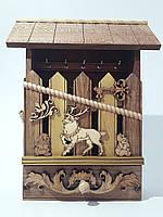 Ключница деревянная 34х26х7 см.