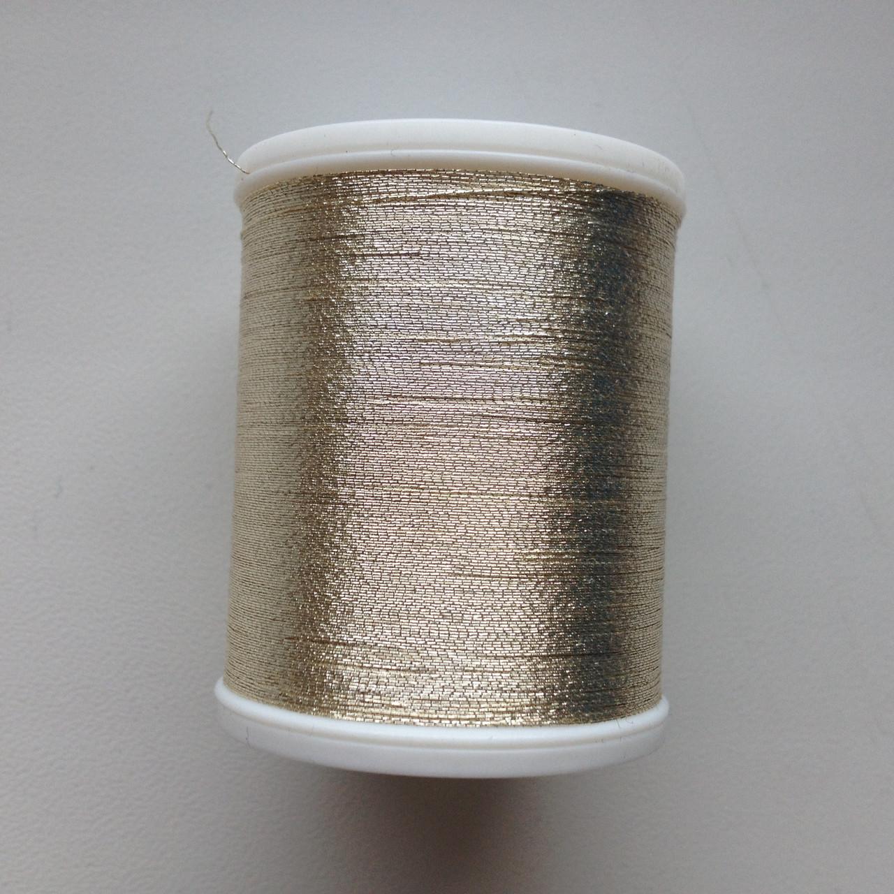 Нитки для машинной вышивки   Madeira Metallic  №40.  цвет 4022 ( Белое Золото).   1000 м
