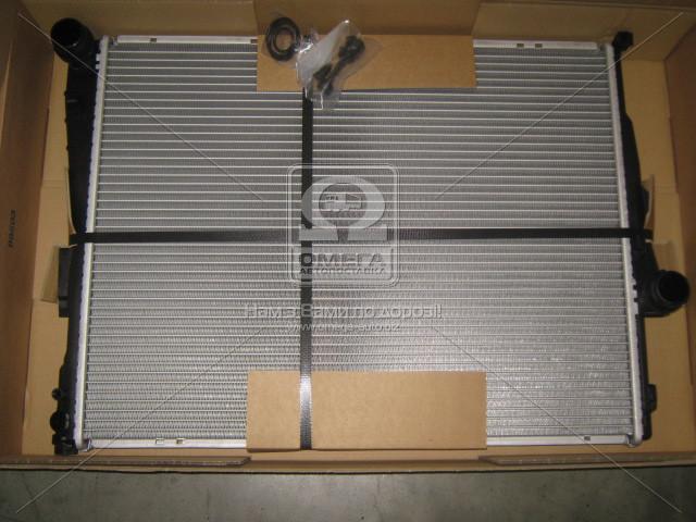 Радіатор охолодження BMW 3 E46 (98-) 1.6-3.3 (пр-во Nissens). 60782A