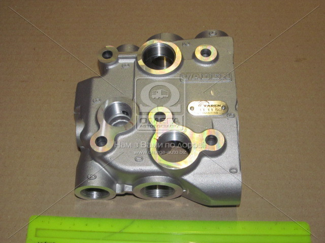 Крышка клапанная компрессора MB новый тип OM401 (пр-во VADEN). 111110