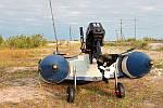 Транцевые колеса для лодки — незаменимое приспособление для легкого спуска водного транспорта на воду