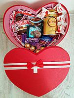 Подарочный набор со сладостями SweetsBox.