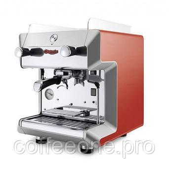 C.M.A. ASTORIA GRETA AEPS 1 гр., профессиональная полуавтоматическая эспрессо кофемашина (белая или красная)