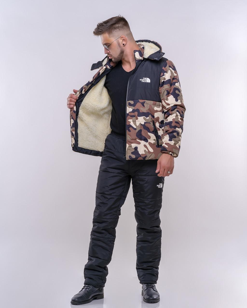 Мужской зимний стеганный прогулочный костюм на синтепоне: куртка на овчине и штаны, принт камуфляж милитари