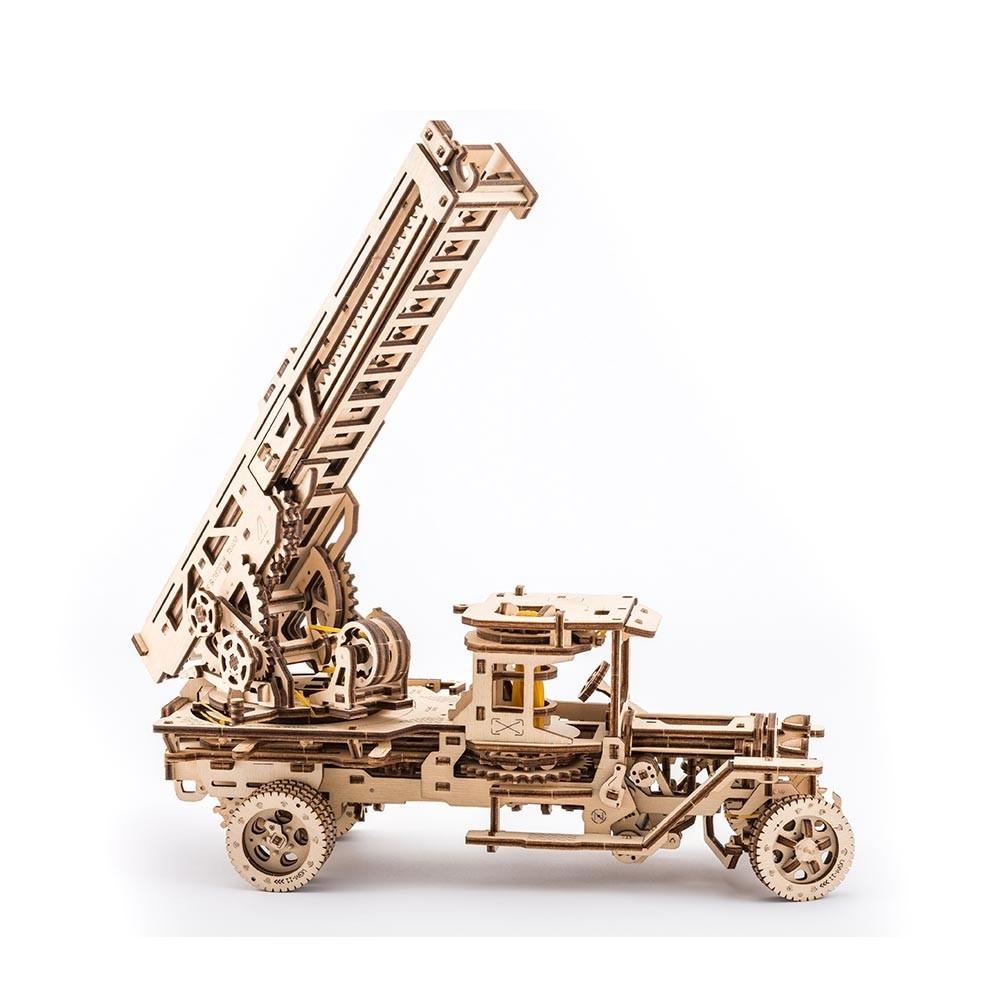 Пожарная Машина   UGEARS   Механический 3D конструктор из дерева
