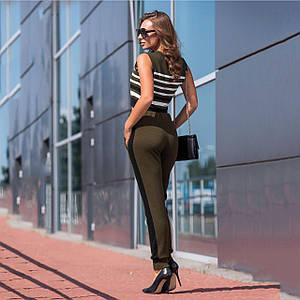 Вязаные брюки с лампасами хаки с черным
