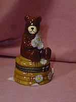 Декоративная керамическая шкатулка - статуэтка медвежонок 7,5 сантиметров высота