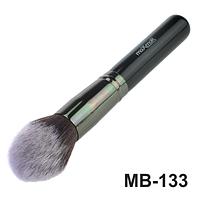 Кисть для тональной основы, пудры, румян, бронзатора maXmaR MB-133