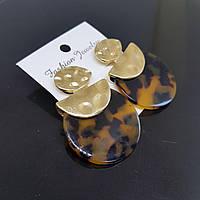 Серьги женские Africa Fashion Jewelry янтарный с черным 35mm (арт. ear-amber-black)