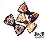 Новые галстуки-бабочки и подтяжки в наличии.