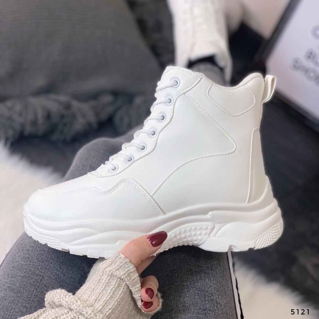 Белые зимние ботинки женские