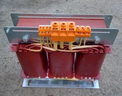 Трехфазный автотрансформатор ATF-1000 ВА