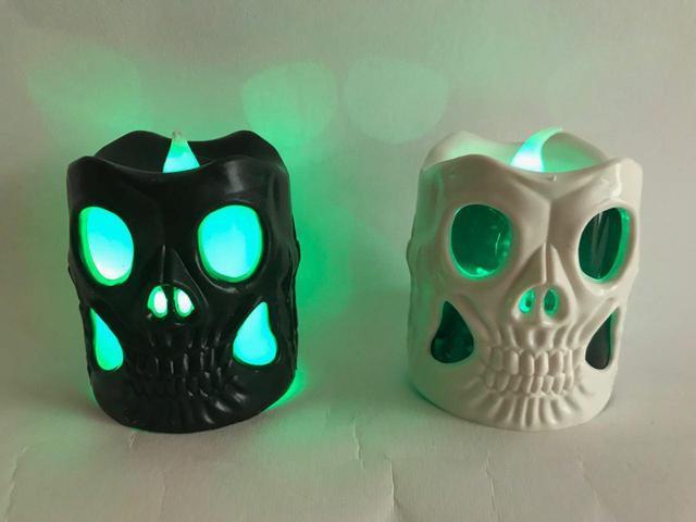 Светодиодная свеча в виде черепа 6 см