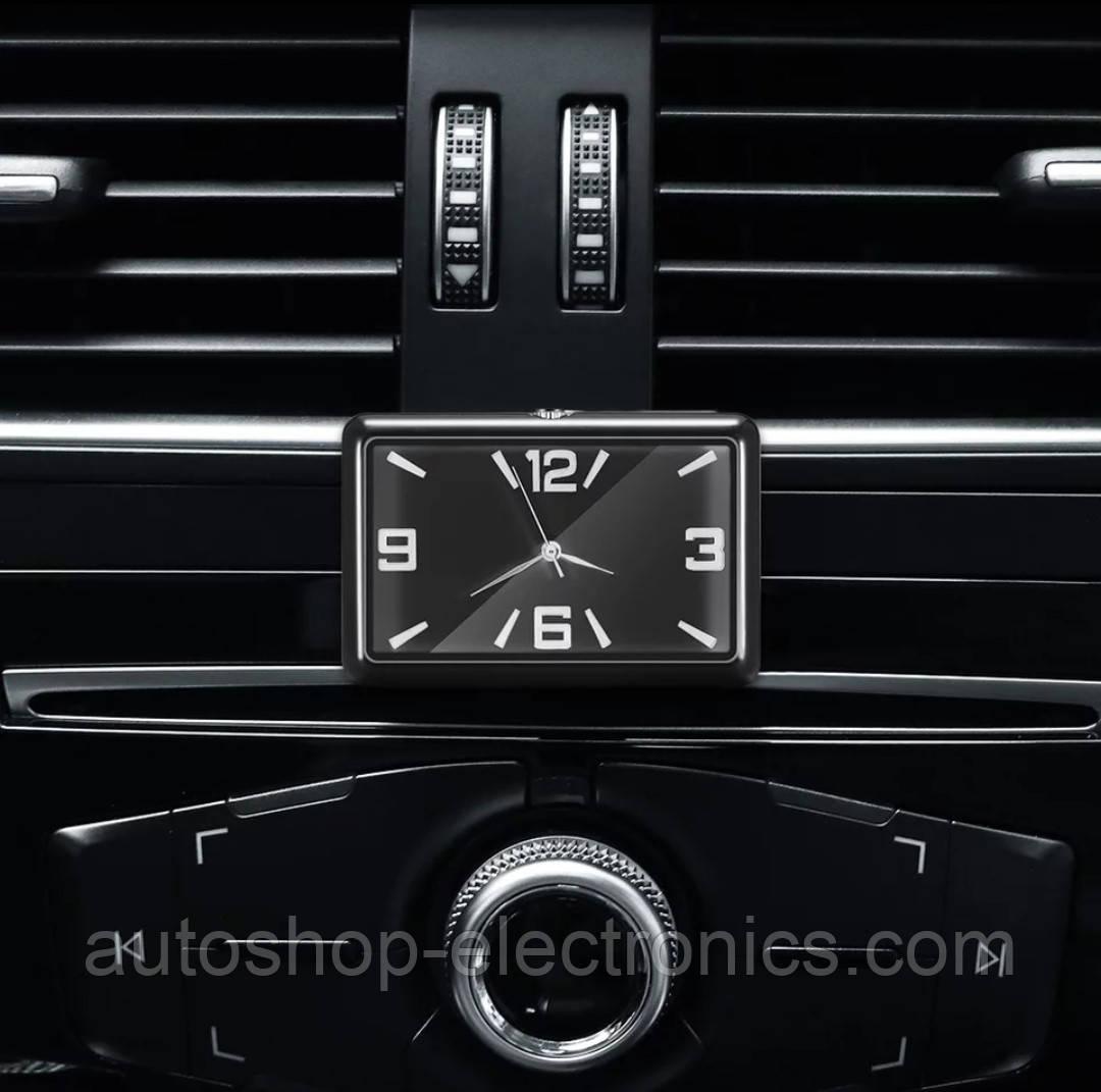 Стильные часы для салона автомобиля (черный циферблат, цифры - хром)