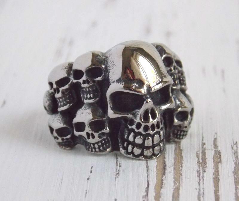 Перстень мужской с черепами 21 размера