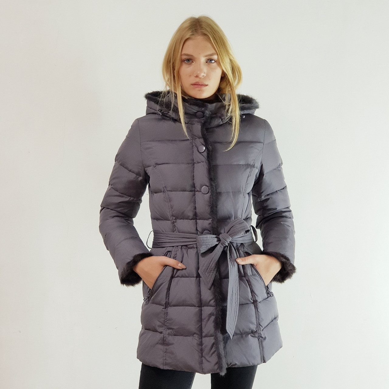 Куртка пуховик зимний женский Snowimage с капюшоном и натуральным мехом 44 серый 508-5253