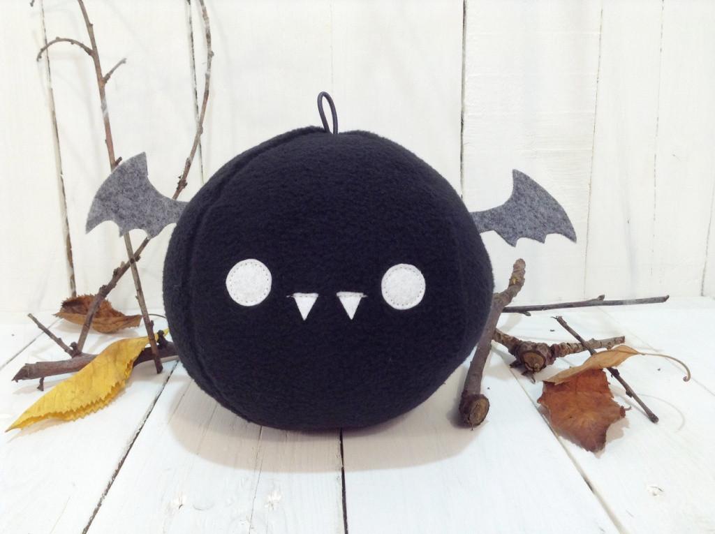 Мягкая игрушка Strekoza Летучая Мышь 13 см черный ручная работа