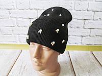 Модная стильная женская шапка на флисе с бусинками