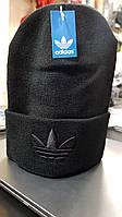 Шапка спортивная черного цвета Адидас с вышитым логотипом