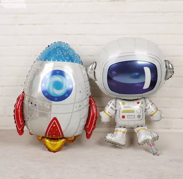 фольгований куля космонавт