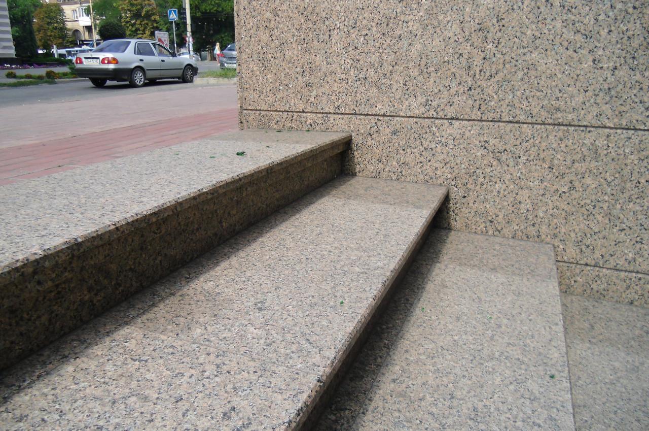 Лестница из гранита Днепропетровск, фото 1