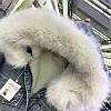 Куртка джинсовая женская зимняя с большим меховым капюшоном, фото 3