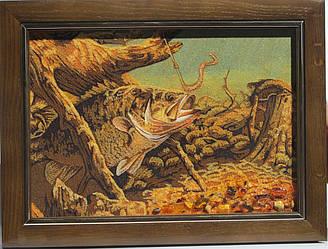 """Картина з бурштинової крихти """"Риба і черв'як"""" 20х30 см"""