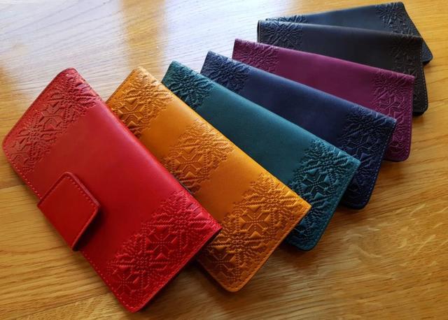 кожаные женские кошельки орнамент вышиванка разноцветные красный бордо черный синий зеленый коричневый желтый