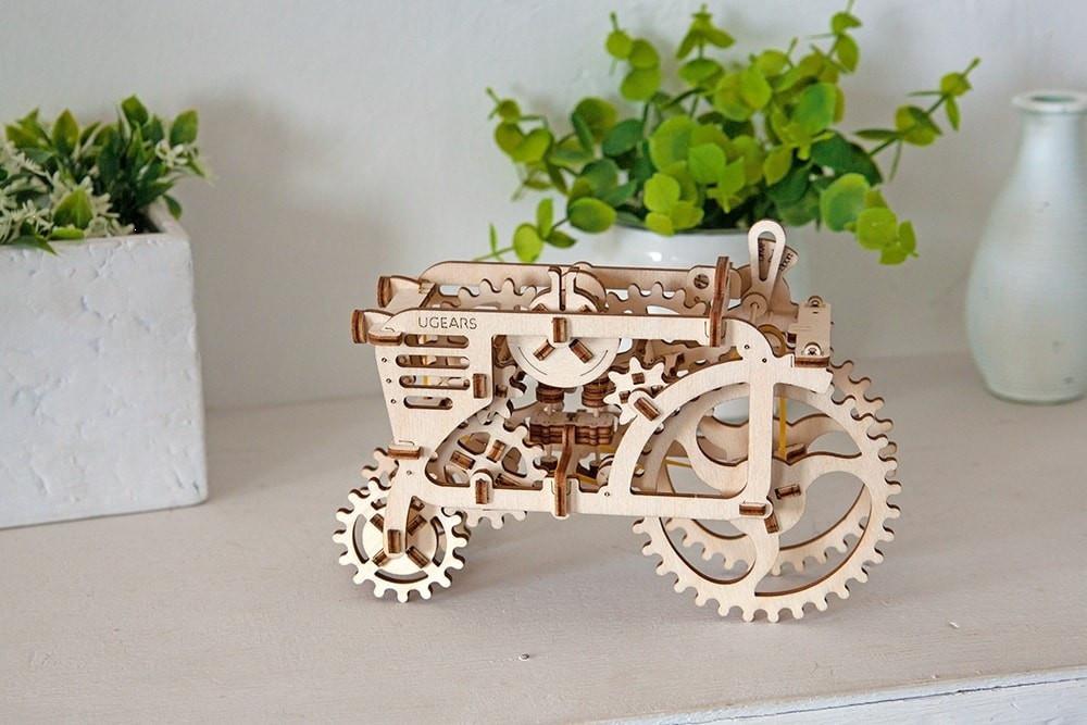 Трактор | UGEARS | Механический 3D конструктор из дерева