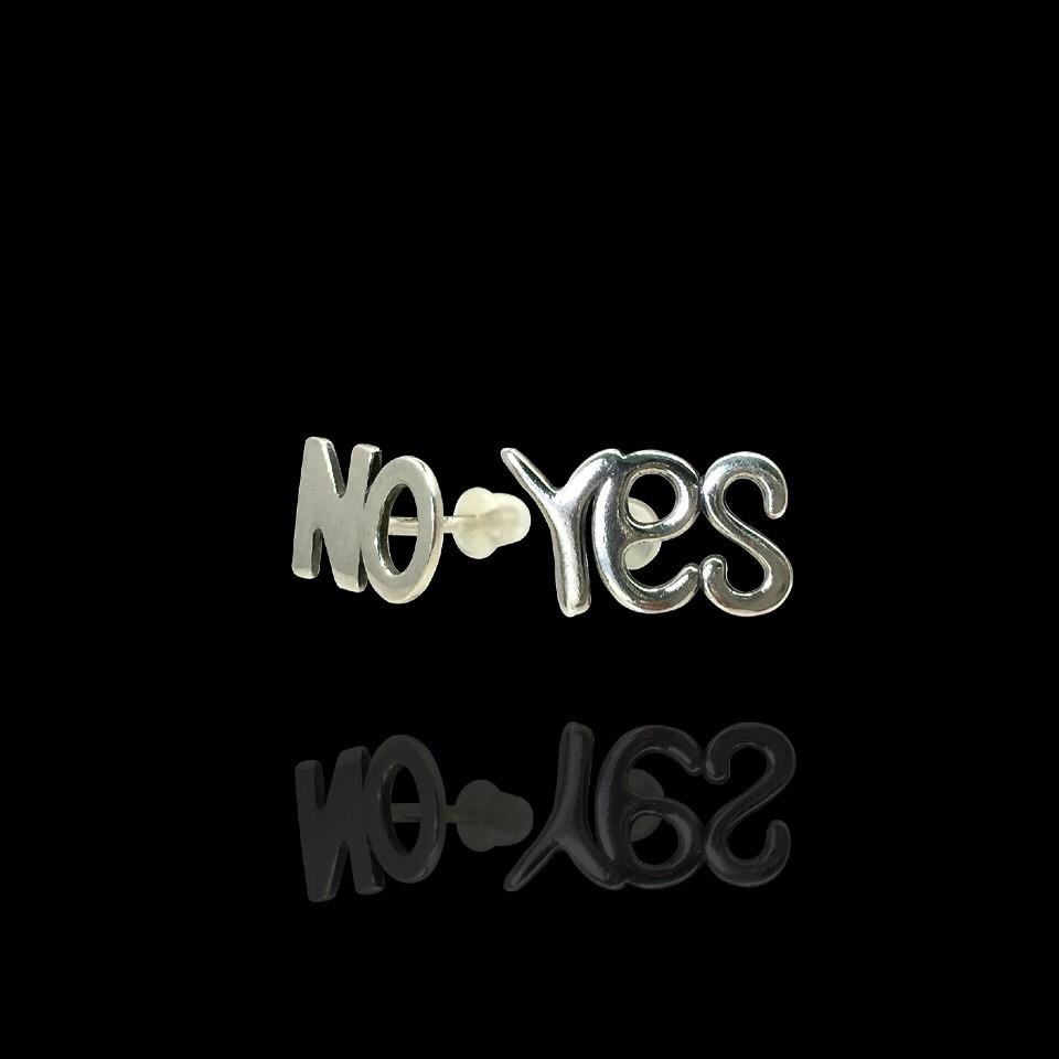 Серебряные гвоздики (пусеты) Yes и No