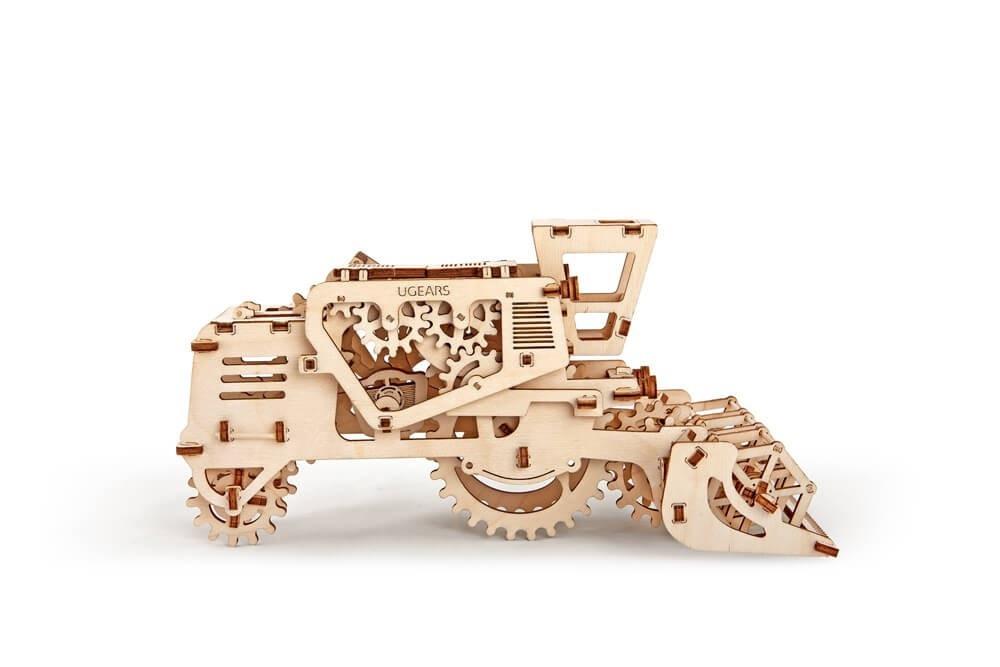Комбайн   UGEARS   Механический 3D конструктор из дерева