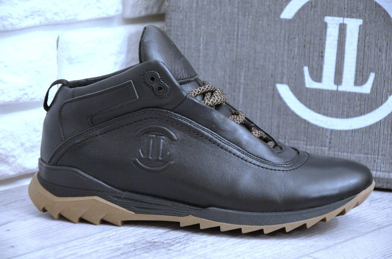 Зимние Мужские Кроссовки черные  Level черные, коричневая подошва
