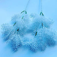 Искусственная ветка для новогоднего декора (белая 45 см)