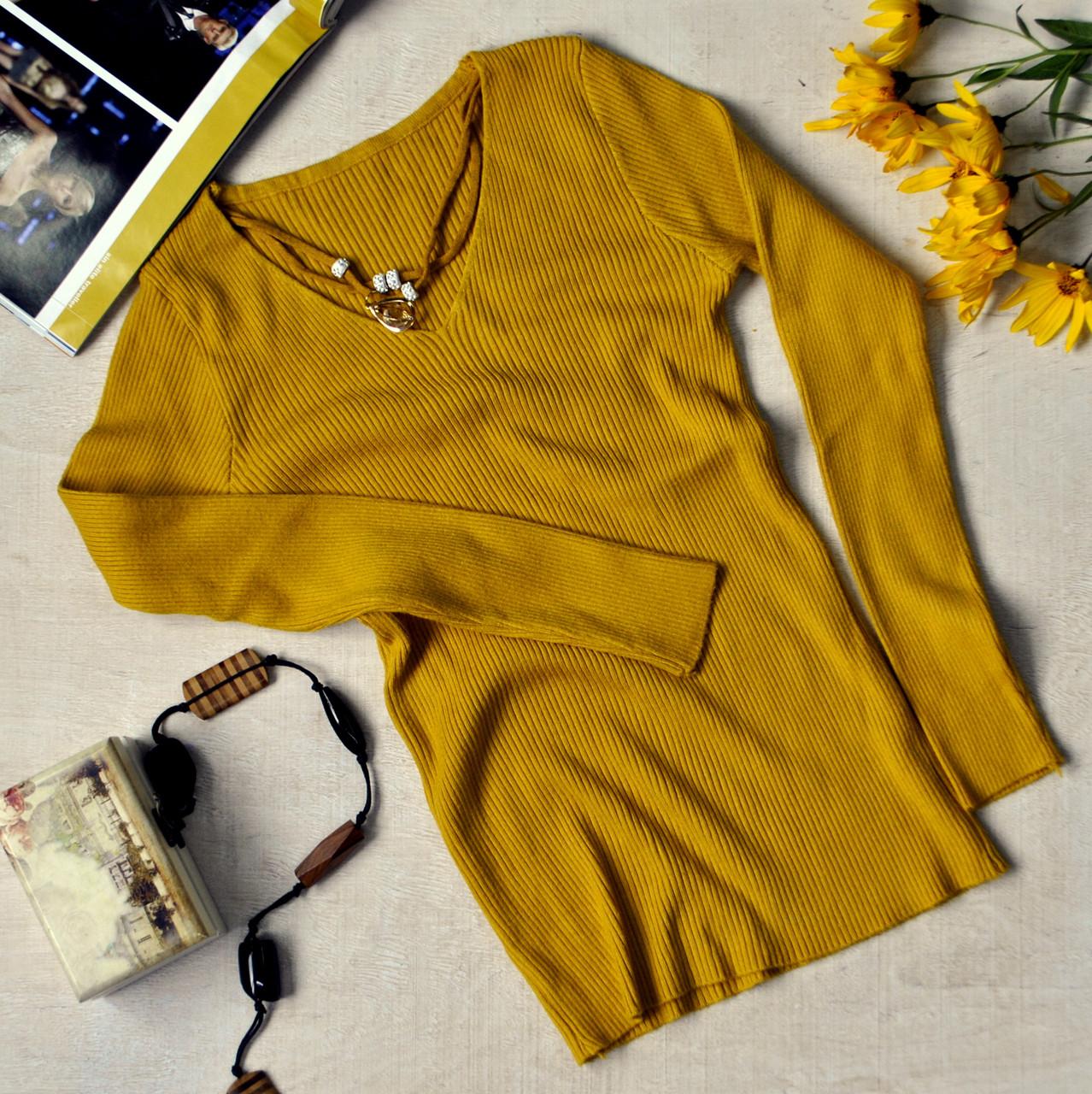 Женская кофточка с кулоном цвет горчица