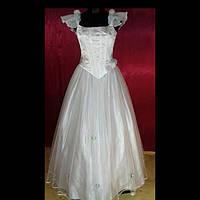 Платье нарядное женское белого и сиреневого  цвета
