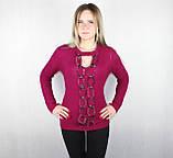 Женский вязаный свитер с вырезом декольте темно-малинового цвета, фото 2