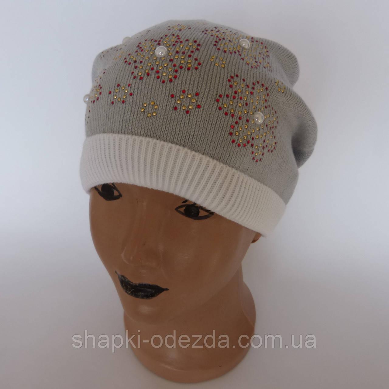 Детская вязаная шапка для девочки с цветочками от  4-6 лет оптом