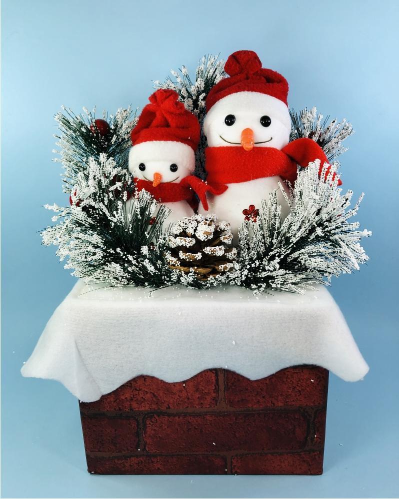 Декор новогодние Снеговики на кирпичной подставке, 50 см